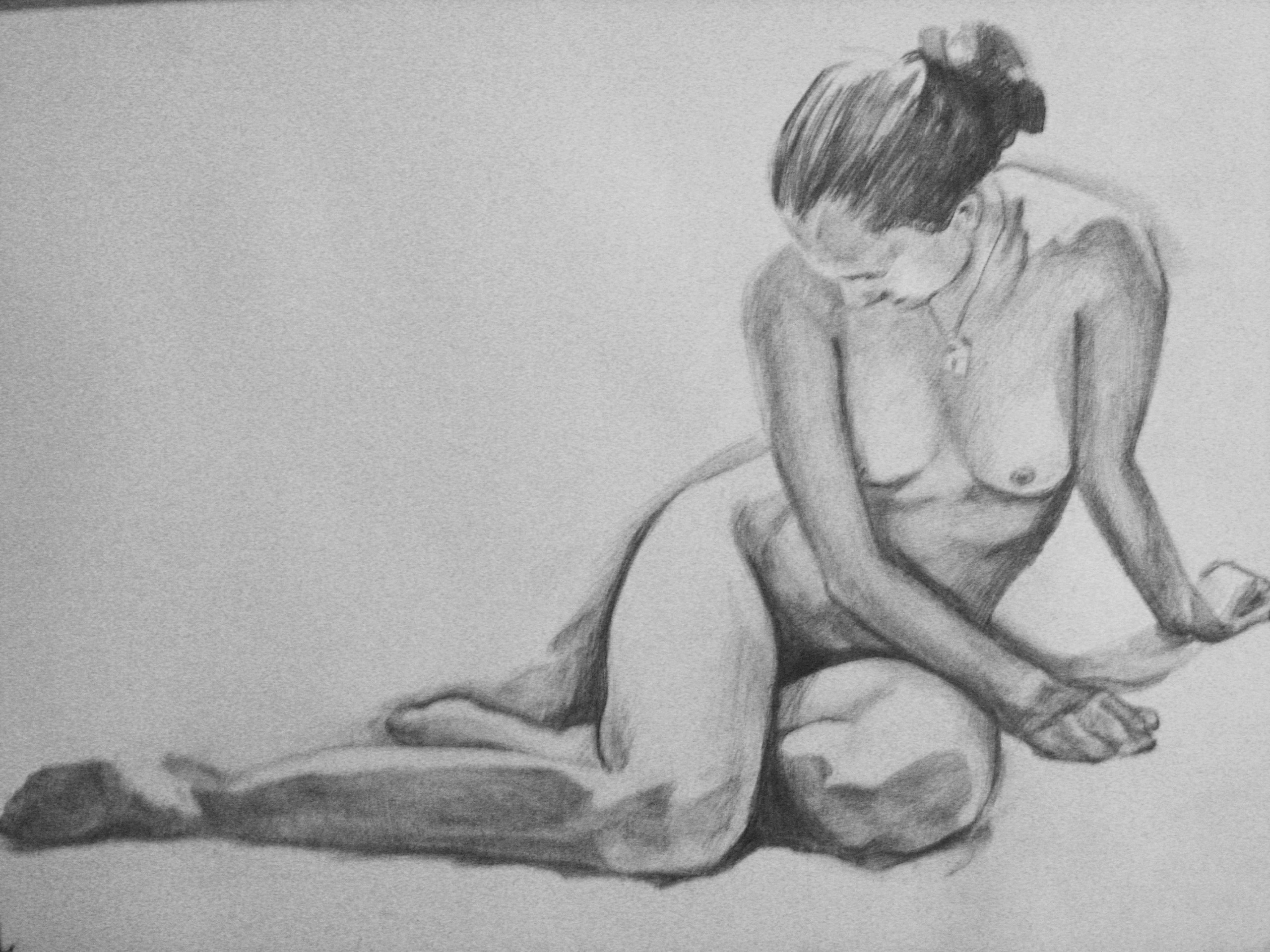 Художник рисует голую натурщицу 14 фотография